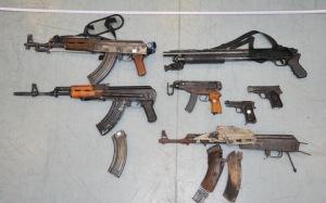 Armas que portaban al ser detenidos