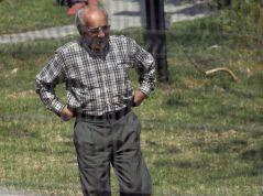 Oldanier paseando en el hotel-carcel antes de suicidarse