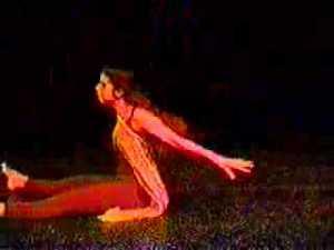 Claudia Lopez bailando