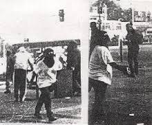 Claudia Lopez encapuchada en barricadas por el 29 de marzo de 1998 en el pedagogico 02